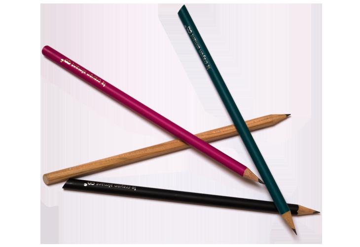 Bunte Bleistifte übereinander